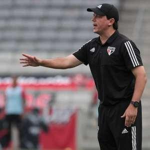 Pressão cresce, mas Fernando Diniz continua como técnico ...