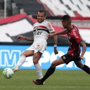 Daniel Alves elogia trabalho de Diniz no São Paulo: ...