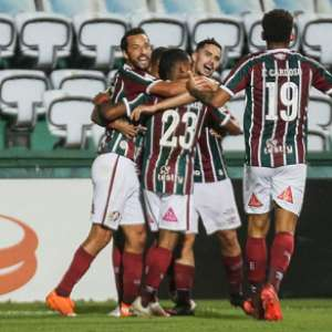 Fluminense tem noite de falhas na defesa, pouca inspiração e esperança depositada em John Kennedy