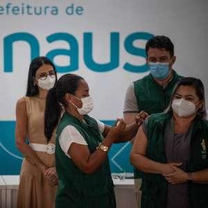 Com saúde em colapso, Manaus suspende vacinação anti-covid