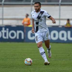 Guilherme Lazaroni comemora sequência na Ponte Preta