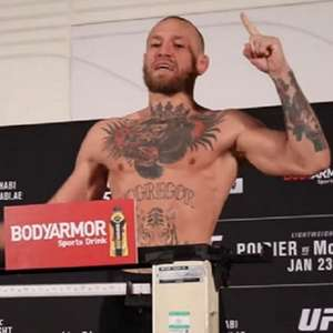 McGregor bate o peso e confirma duelo contra Dustin ...