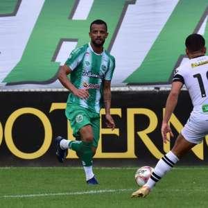 Em jogo dramático, Juventude vira no minuto final, bate o Figueirense e mantém sonho do acesso