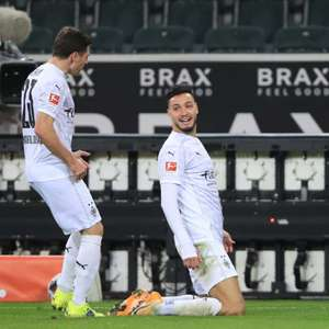 No clássico dos Borussias, Haaland faz dois, mas ...