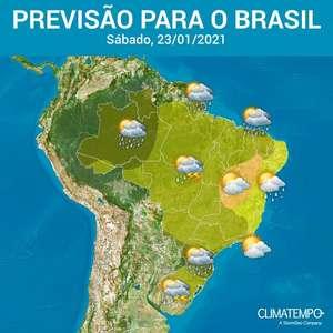 Ar quente e úmido predomina no Brasil neste sábado