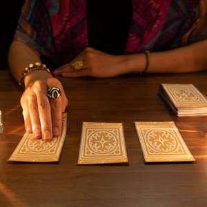 Qual a carta que representa você no Tarot