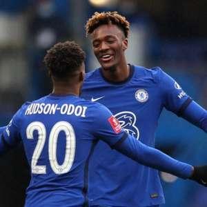 Abraham marca três, e Chelsea vence o Luton pela Copa da ...