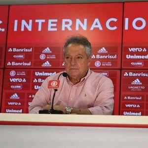 Unzelte elogia trabalho de Abel Braga no Internacional: 'Surpreendeu até a direção do Inter'