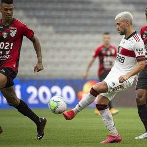 Oscilante em toda campanha, Flamengo se agarra às ...