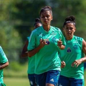 Zagueira do Flamengo projeta disputa do Brasileirão Sub-18