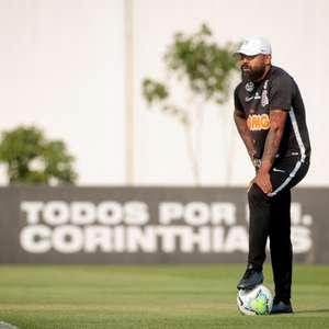 Corinthians anuncia a saída de Dyego Coelho do comando ...
