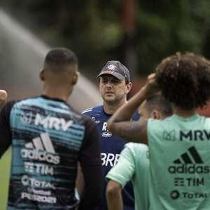 Com Ceni mantido e pressionado, Flamengo se reapresenta ...
