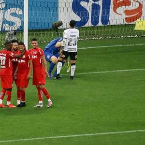 Bragantino joga melhor e bate o Corinthians em Itaquera