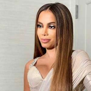 """Anitta diz que suas partes íntimas tem odor de """"algodão ..."""