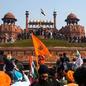 Protesto histórico de agricultores na Índia bloqueia ...