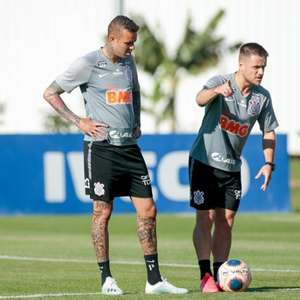 Surto de Covid-19 atinge dez jogadores do Corinthians na ...