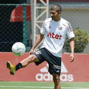 Recuperado de lesão, Rojas aguarda o São Paulo para decidir o seu futuro