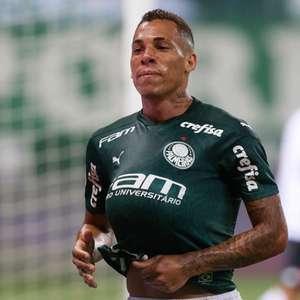 Breno Lopes comemora primeiro gol com a camisa do ...