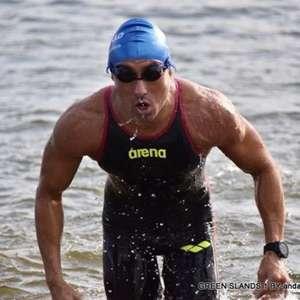 Ultramaratonista ganha quase 15 kg para nadar o Canal da ...