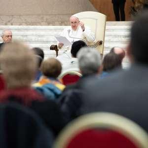 Papa faz Angelus e apela por estabilidade em Myanmar
