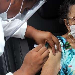 São Paulo suspende vacinação contra covid-19 em drive-thrus