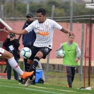 Ex-Corinthians, lateral acerta para defender o Cianorte no estadual