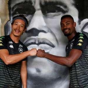 Kalou revela detalhes sobre a saída de Honda do Botafogo: 'Estava farto e frustrado com toda a situação'