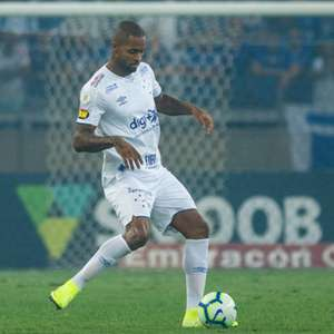 Dedé consegue liminar para deixar o Cruzeiro e fica livre no mercado