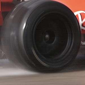 """Leclerc completa 110 voltas com pneu de 18"""" da Pirelli em teste privado"""