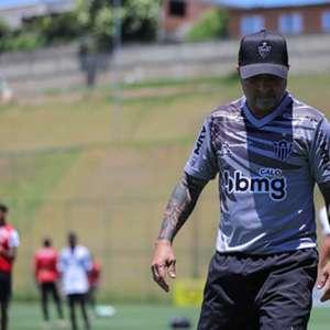 Suspenso, Sampaoli prepara sua última escalação no Atlético-MG