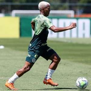 Com volta de Veron e presença de Victor Luís, Palmeiras se reapresenta na Academia de Futebol