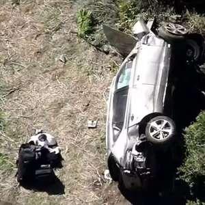 Com múltiplas lesões, Tiger Woods é operado após acidente
