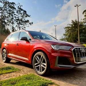 Como é a vida a bordo do Audi Q7, o super SUV de 7 lugares