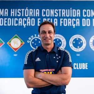 Cruzeiro quita dívida com o Guarani pela multa de Felipe Conceição