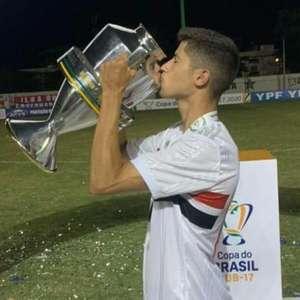 Mateus Amaral, meia do São Paulo, é convocado para a ...