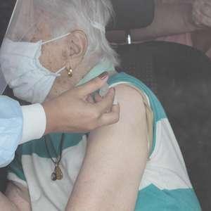 SP antecipa vacinação de idosos de 80 a 84 anos para sábado