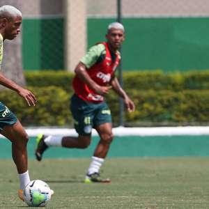 Pensando na Copa do Brasil, Palmeiras treina com Gabriel Menino como novidade