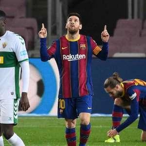 Rafa Márquez torce pela permanência de Messi no Barça