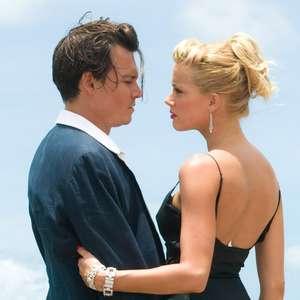 Processo de Depp contra Amber Heard é adiado em um ano