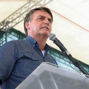 Governador que fechar Estado bancará auxílio, diz Bolsonaro