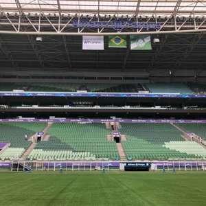 Gramado sintético do Allianz Parque passa por vistoria da Fifa e está aprovado para mais um ano de uso