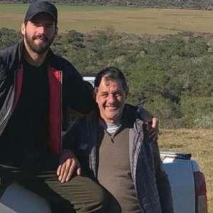 Alisson agradece mensagens de apoio após morte do pai