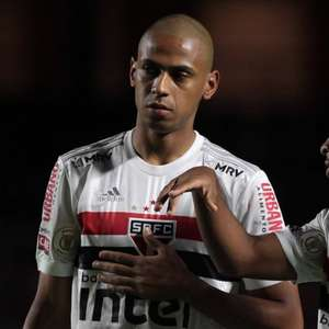 Esquema 3-5-2 dá certo contra o Flamengo e pode ser 'pilar' de Crespo no comando do São Paulo
