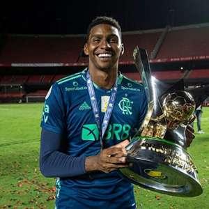 Ronaldo Giovaneli critica Hugo Souza, e goleiro do ...