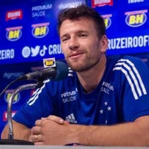 Brock é apresentado, minimiza poucos jogos no Ceará e ...