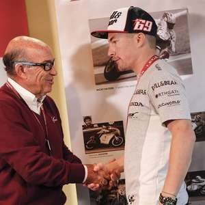 Campeão da MotoGP, Hayden é escolhido para Hall da Fama ...