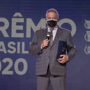 Abel Braga é eleito o melhor técnico do Campeonato ...