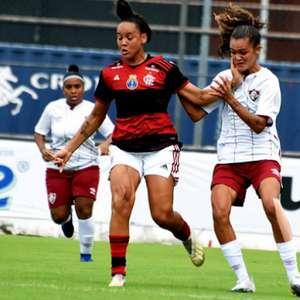 Flamengo derrota o Fluminense e segue 100% no Carioca ...