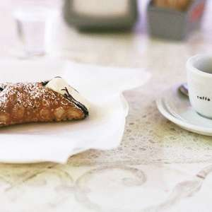 Cannoli: A origem erótica do doce mais famoso da Itália