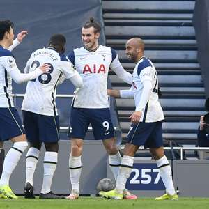 Bale marca duas vezes e ajuda Tottenham a golear Burnley